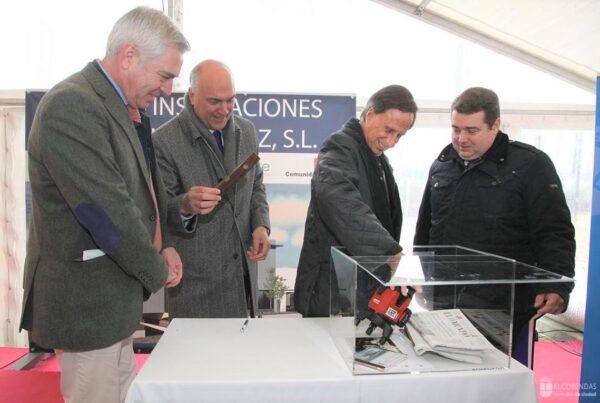 Montajes Delsaz coloca la primera piedra de sus nuevas instalaciones.